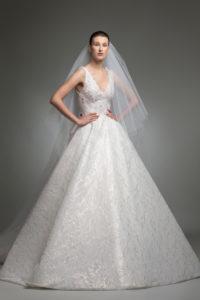 httpsapi.esposacouture.comcontentuploadsCollectionPictureYerevan-esposacouture-Kristie-romanos-Wedding-1