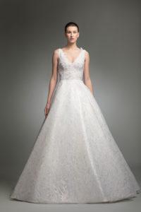 httpsapi.esposacouture.comcontentuploadsCollectionPictureYerevan-esposacouture-Kristie-romanos-Wedding-2