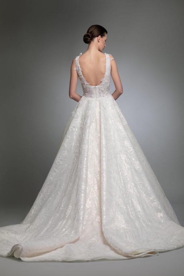 httpsapi.esposacouture.comcontentuploadsCollectionPictureYerevan-esposacouture-Kristie-romanos-Wedding-4