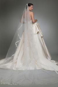 httpsapi.esposacouture.comcontentuploadsCollectionPictureYlay-esposacouture-Kristie-romanos-Wedding-4