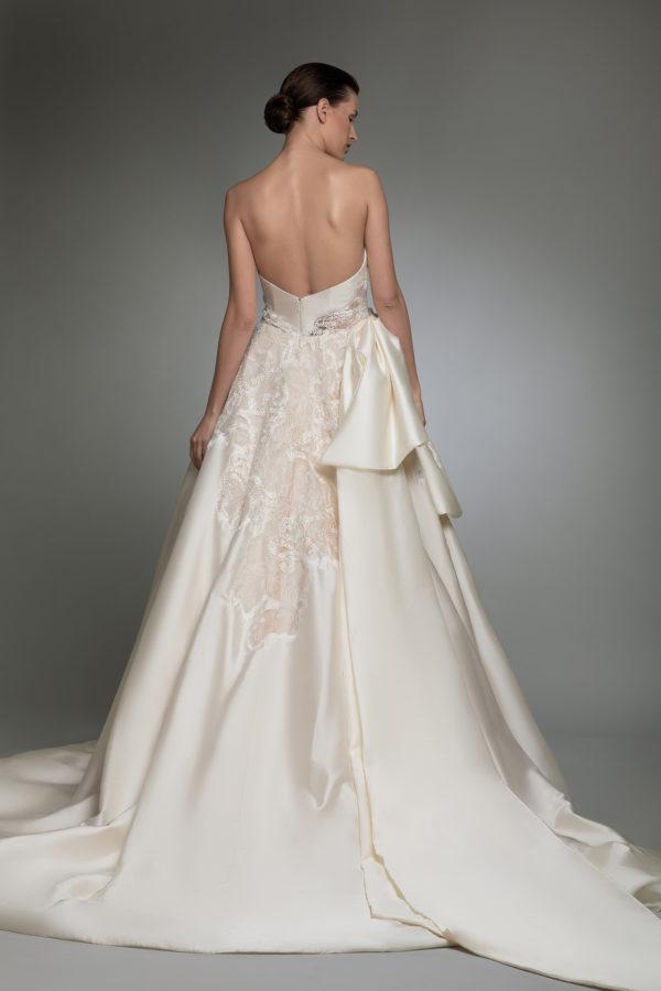 httpsapi.esposacouture.comcontentuploadsCollectionPictureYlay-esposacouture-Kristie-romanos-Wedding-5