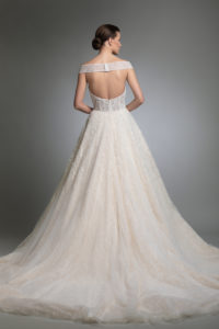 httpsapi.esposacouture.comcontentuploadsCollectionPictureYoanna-esposacouture-Kristie-romanos-Wedding-2