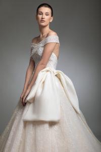 httpsapi.esposacouture.comcontentuploadsCollectionPictureYoanna-esposacouture-Kristie-romanos-Wedding-3