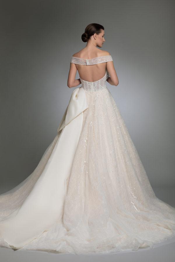 httpsapi.esposacouture.comcontentuploadsCollectionPictureYoanna-esposacouture-Kristie-romanos-Wedding-4