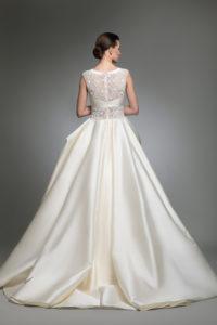 httpsapi.esposacouture.comcontentuploadsCollectionPictureYohny-esposacouture-Kristie-romanos-Wedding-3