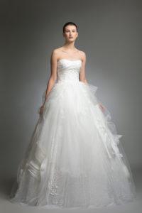 httpsapi.esposacouture.comcontentuploadsCollectionPictureYoory-esposacouture-Kristie-romanos-Wedding-1
