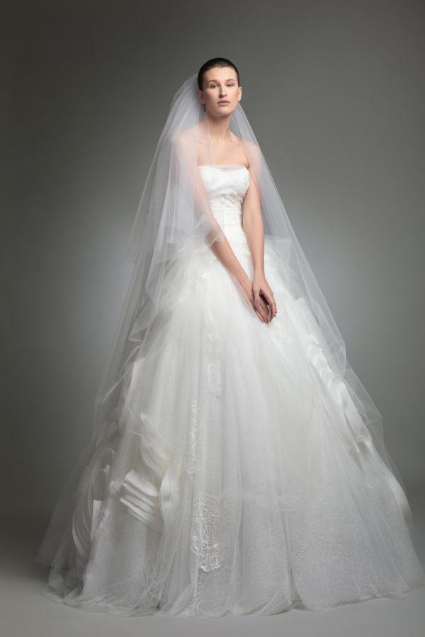 httpsapi.esposacouture.comcontentuploadsCollectionPictureYoory-esposacouture-Kristie-romanos-Wedding-2