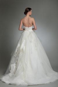 httpsapi.esposacouture.comcontentuploadsCollectionPictureYoory-esposacouture-Kristie-romanos-Wedding-3