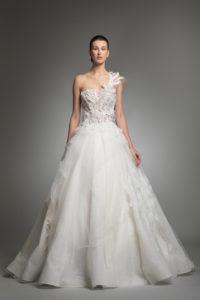 httpsapi.esposacouture.comcontentuploadsCollectionPictureYosha-esposacouture-Kristie-romanos-Wedding-1