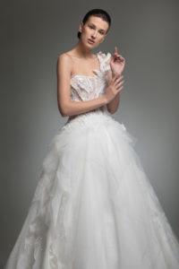 httpsapi.esposacouture.comcontentuploadsCollectionPictureYosha-esposacouture-Kristie-romanos-Wedding-2