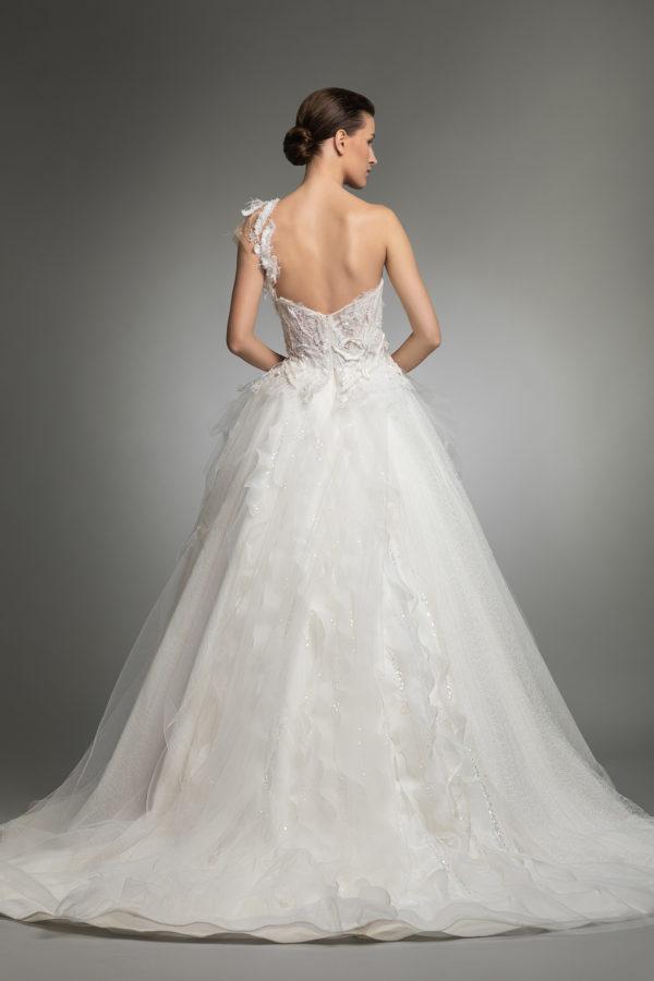 httpsapi.esposacouture.comcontentuploadsCollectionPictureYosha-esposacouture-Kristie-romanos-Wedding-4