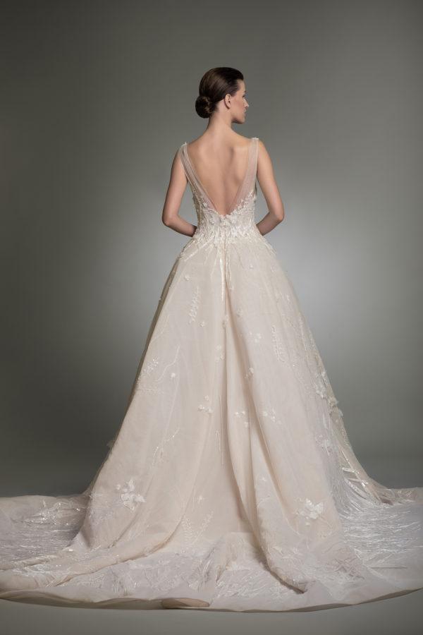httpsapi.esposacouture.comcontentuploadsCollectionPictureYvanna-esposacouture-Kristie-romanos-Wedding-2