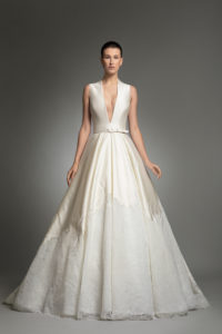 httpsapi.esposacouture.comcontentuploadsCollectionPictureYve-esposacouture-Kristie-romanos-Wedding-1