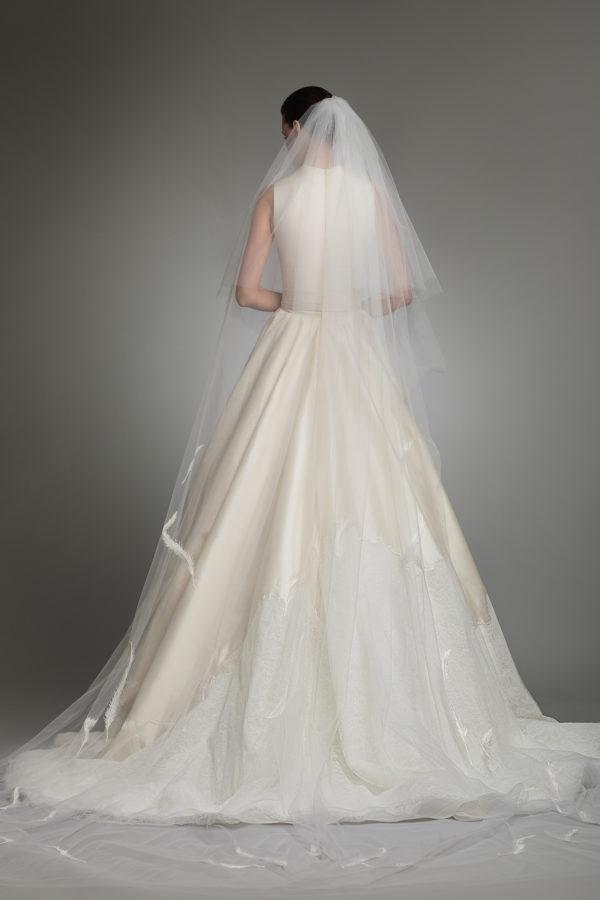 httpsapi.esposacouture.comcontentuploadsCollectionPictureYve-esposacouture-Kristie-romanos-Wedding-3