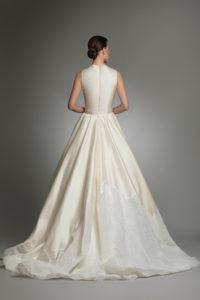 httpsapi.esposacouture.comcontentuploadsCollectionPictureYve-esposacouture-Kristie-romanos-Wedding-4
