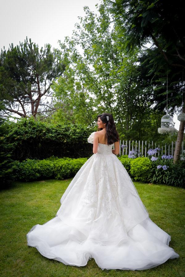 httpsapi.esposacouture.comcontentuploadsLoveStoryJoy-wedding-dress-esposacouture-esposa-prive1-2
