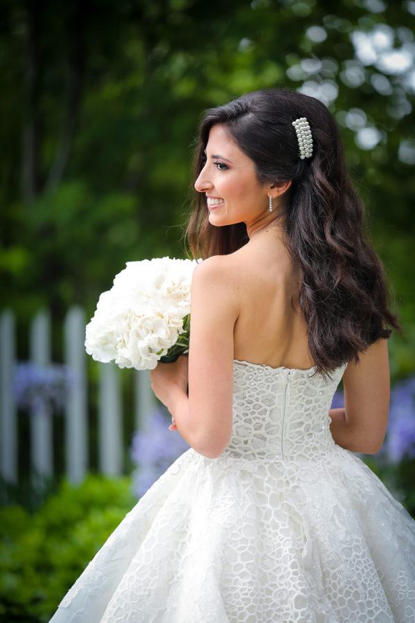 httpsapi.esposacouture.comcontentuploadsLoveStoryJoy-wedding-dress-esposacouture-esposa-prive4-2