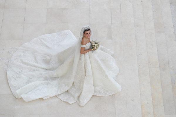 httpsapi.esposacouture.comcontentuploadsLoveStoryMireille-Semaan-Esposacouture-Esposa-Prive-Wedding-Dress4-2