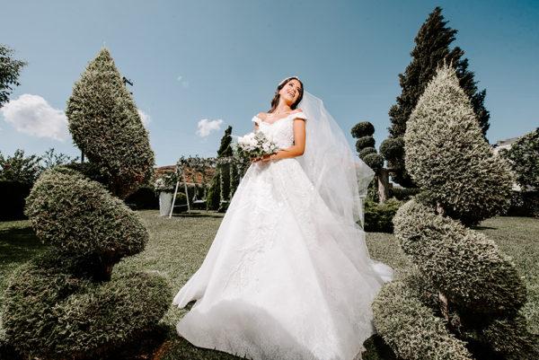 httpsapi.esposacouture.comcontentuploadsLoveStoryTania-Salem-Esposacouture-Wedding-dress2-2