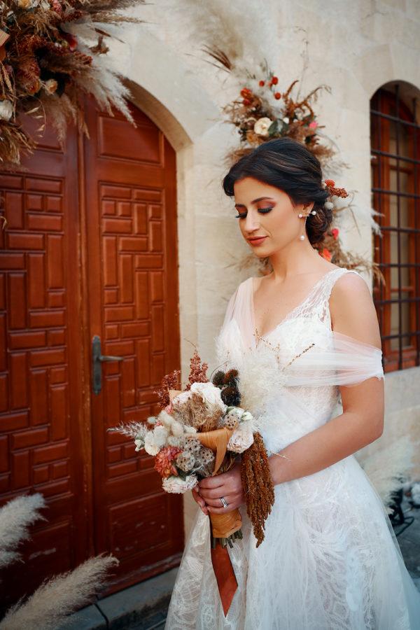 httpsapi.esposacouture.comcontentuploadsLoveStorynicole-elia-bride-esposa1-1