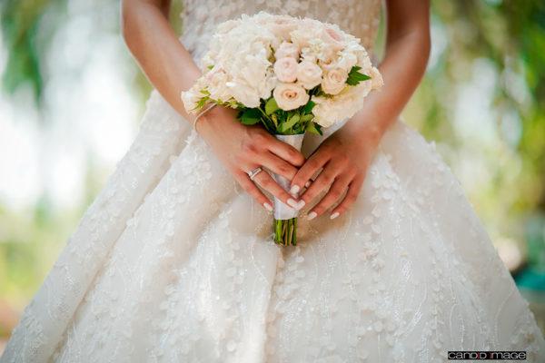 httpsapi.esposacouture.comcontentuploadsLoveStoryrebecca-habib-bride-esposa10