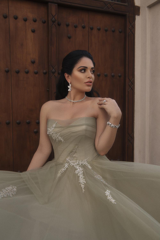 httpsapi.esposacouture.comcontentuploadsNewsmona-kattan-wedding-dress-esposa-prive11