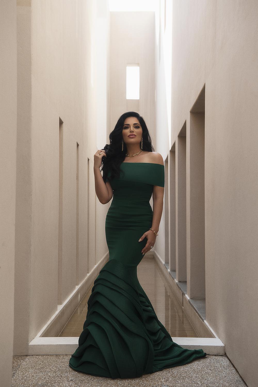 httpsapi.esposacouture.comcontentuploadsNewsmona-kattan-wedding-dress-esposa-prive8
